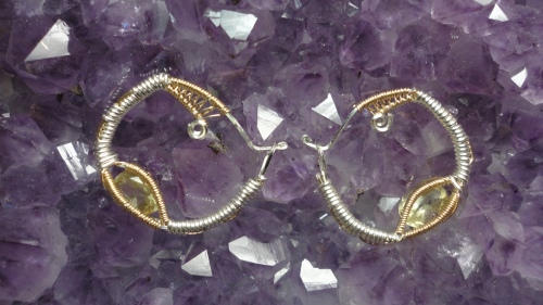 Mini hoop earings with faceted citrine